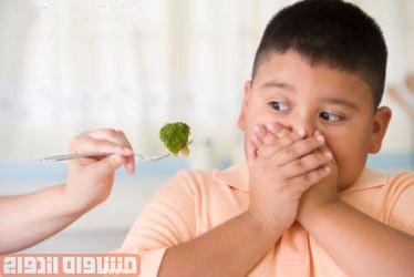 تشویق کودکان چاق به کم خوری نتیجه معکوس میدهد